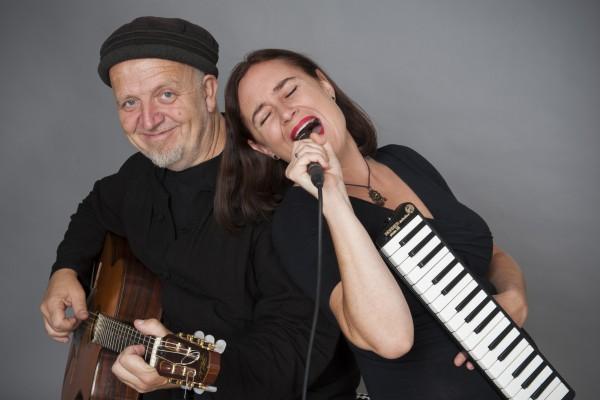 Pappsatt - Sabine Fischmann und Ali Neander